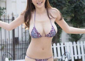 Сексуальные девушки в бикини (24 фото)