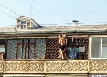 Житель Ангарска выбрал рискованный способ позагорать (5 фото)