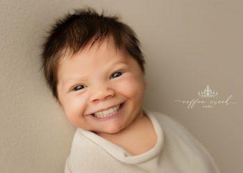 Странный фотопроект с детьми (16 фото)