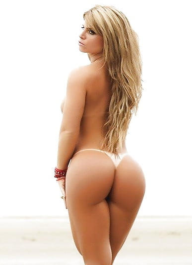 Прекрасная голая женщина с идеальной круглой попой