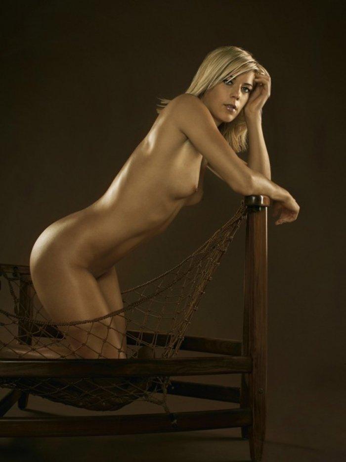 Красотка спортсменка не стеснялась снятся обнаженной